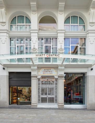 Hyatt-Centric-Gran-Via Madrid-Fa+ºade-Entrance - copia-min