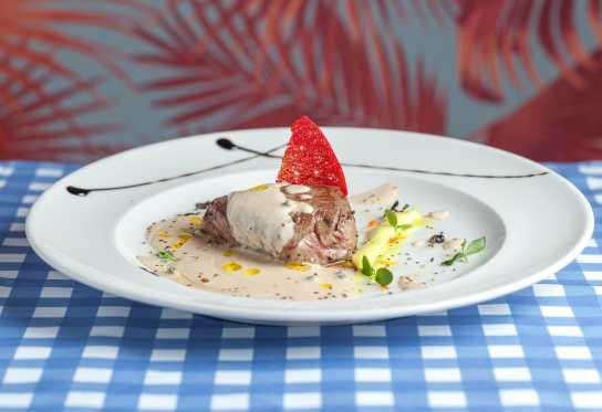 Filetto de solomillo en crema de gorgonzola-min