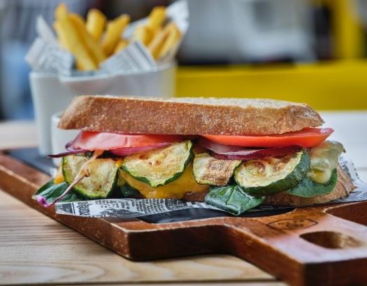Sandwich de la huerta - El Agujero Amarillo (2)